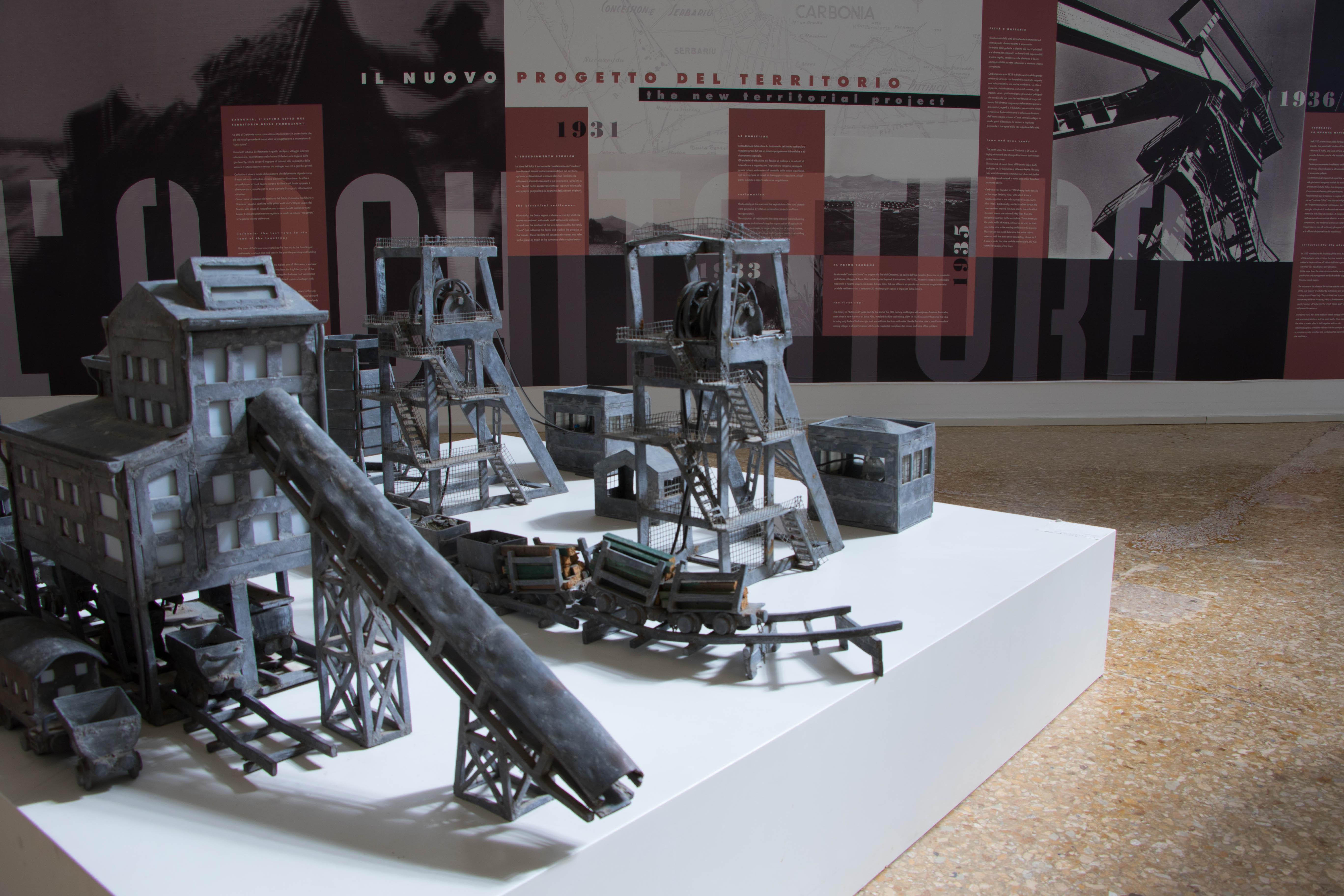 Esposizione nella Lampisteria del Museo del Carbone - Grande Miniera di Serbariu, Carbonia